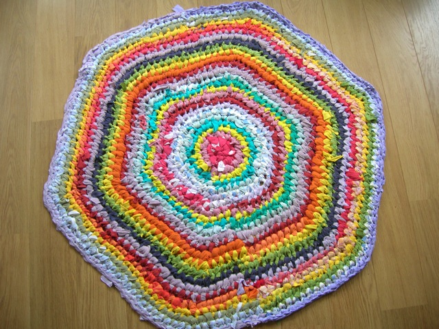 Rainbow crochet rag rug | Riotflower's Realm