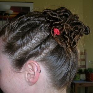 B's hair