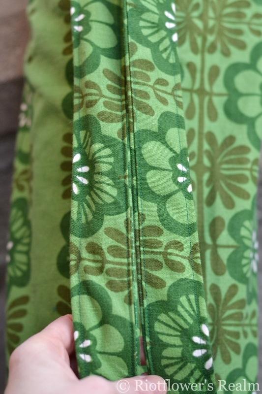 Yoga Mat Bag, Riotflower's Realm. www.riotflower.wordpress.com