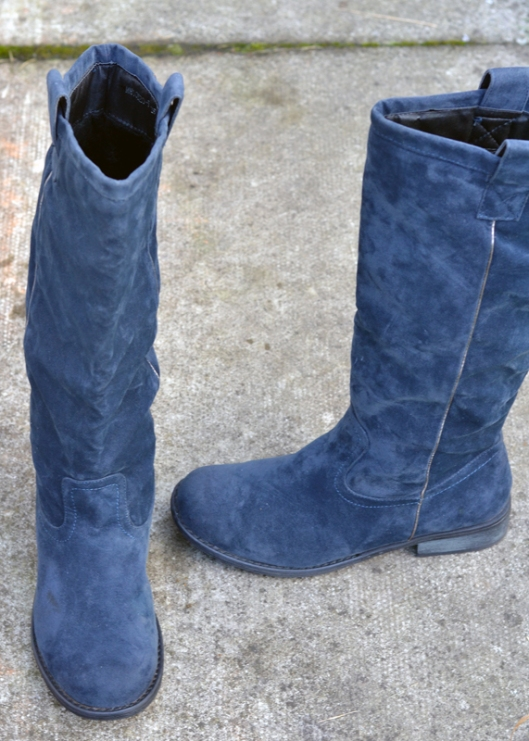 second hand blue suede boots