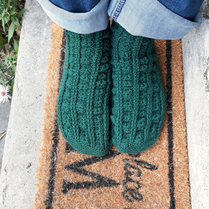 My green handmade cable crochet socks from Kat Goldin's First Day of School pattern. |Riotflower's Realm